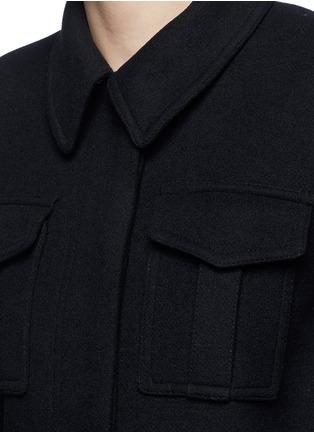 细节 - 点击放大 - STELLA MCCARTNEY - 金属扣束腰混羊毛大衣