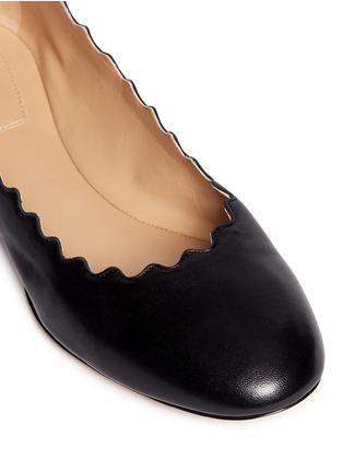 细节 - 点击放大 - CHLOÉ - LAUREN波浪鞋口小羊皮平底鞋