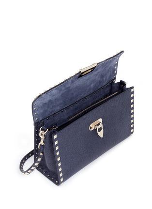 细节 - 点击放大 - VALENTINO - 'Rockstud' small denim effect leather satchel
