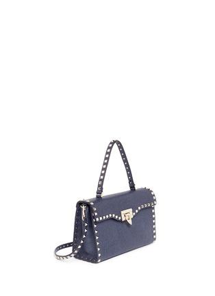 模特儿示范图 - 点击放大 - VALENTINO - 'Rockstud' small denim effect leather satchel