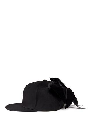 模特儿示范图 - 点击放大 - PIERS ATKINSON - 天鹅绒蝴蝶结鸭舌帽