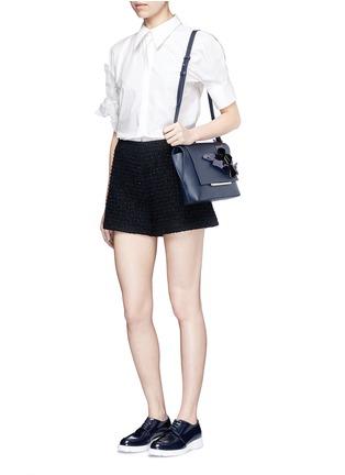 模特儿示范图 - 点击放大 - DELPOZO - 花卉拼贴纯棉衬衫