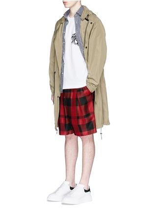 模特儿示范图 - 点击放大 - SACAI - 字母刺绣纯棉T恤
