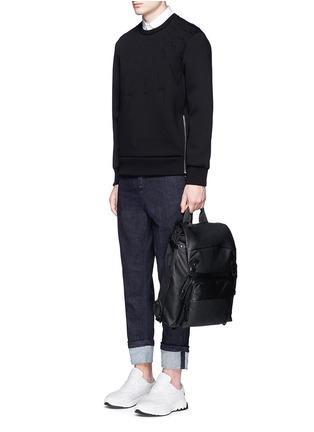 模特儿示范图 - 点击放大 - NEIL BARRETT - 凹凸闪电图案太空棉卫衣