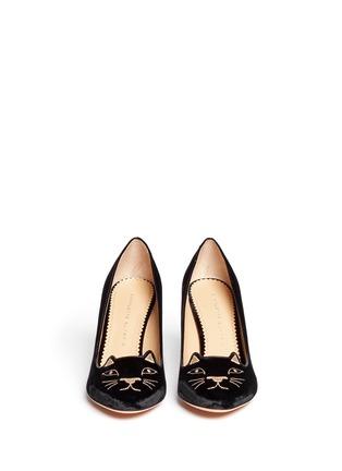 模特示范图 - 点击放大 - CHARLOTTE OLYMPIA - 丝绒猫脸高跟鞋