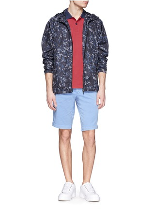 模特儿示范图 - 点击放大 - Moncler Grenoble - Contrast collar cotton polo shirt