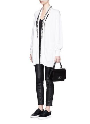 模特示范图 - 点击放大 - GIVENCHY BEAUTY - 链条搭带混棉针织长外套