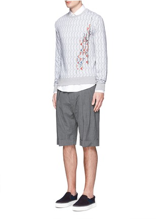 模特示范图 - 点击放大 - CARVEN - 刺绣图案数码印花纯棉卫衣