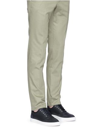 模特儿示范图 - 点击放大 - HARRYS OF LONDON - MR JONES 2真皮系带运动鞋
