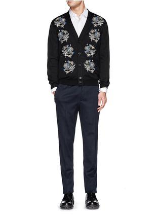 模特儿示范图 - 点击放大 - ALEXANDER MCQUEEN - 花卉刺绣针织开衫