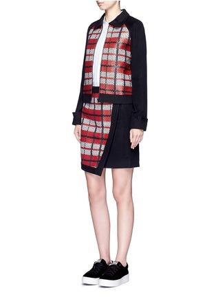 模特儿示范图 - 点击放大 - CYNTHIA & XIAO - 编织格纹拼接混羊毛夹克