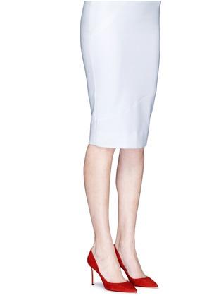 模特儿示范图 - 点击放大 - Jimmy Choo - ROMY绒面皮尖头高跟鞋