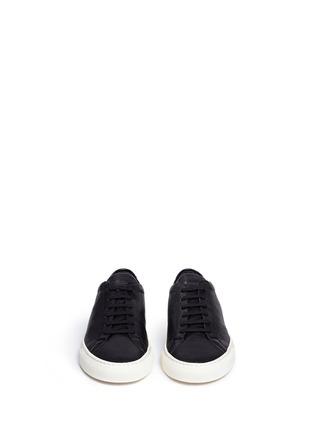 模特示范图 - 点击放大 - COMMON PROJECTS - Original Achilles真皮系带运动鞋