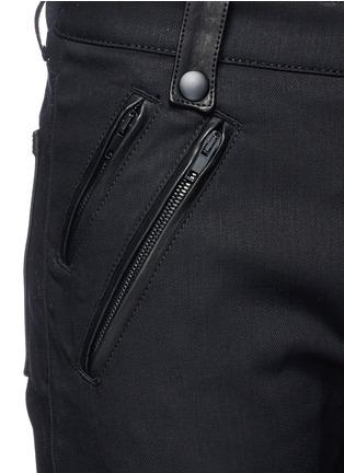 细节 - 点击放大 - Alexander McQueen - 拉链皮革装饰棉质长裤
