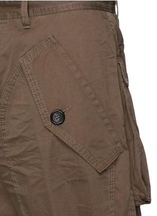 细节 - 点击放大 - DSQUARED2 - 抽绳大口袋短裤