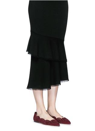 模特示范图 - 点击放大 - TORY BURCH - LEYLA镂空绒面皮尖头平底鞋