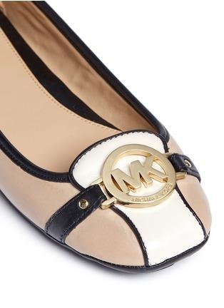 细节 - 点击放大 - MICHAEL KORS - Fulton金属扣装饰真皮平底鞋
