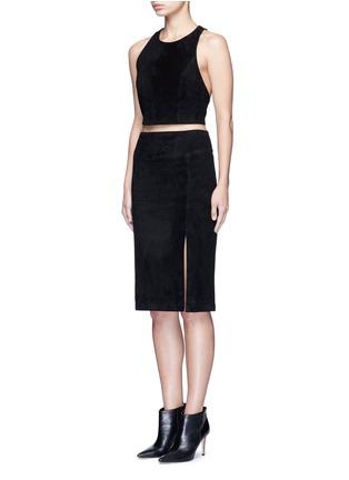 模特示范图 - 点击放大 - ALICE + OLIVIA - TRU绒面羊皮镂空短款上衣