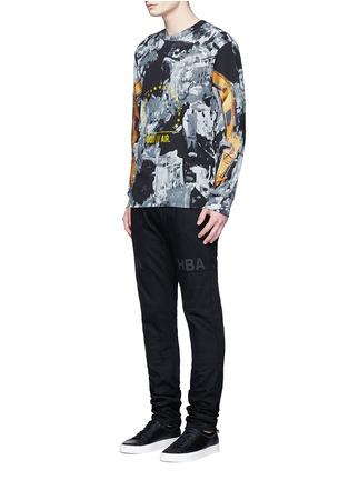 模特儿示范图 - 点击放大 - HOOD BY AIR - 拼贴装饰纯棉牛仔裤