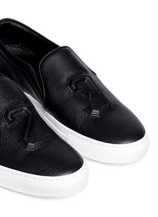 细节 - 点击放大 - JOSHUA SANDERS - 凹凸数字装饰平底便鞋