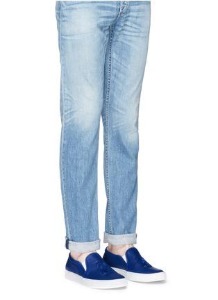 模特儿示范图 - 点击放大 - JOSHUA SANDERS - 凹凸数字装饰平底便鞋
