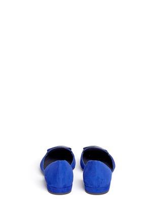 背面 - 点击放大 - STUART WEITZMAN - DORSINI金属装饰绒面皮侧空平底鞋