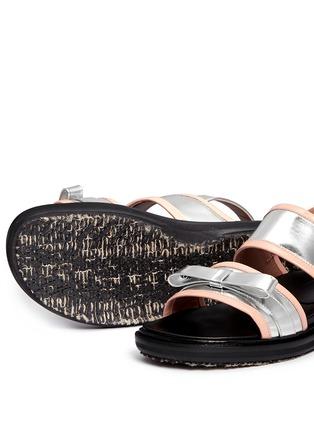 细节 - 点击放大 - Marni - 双色搭带蝴蝶结平底凉鞋