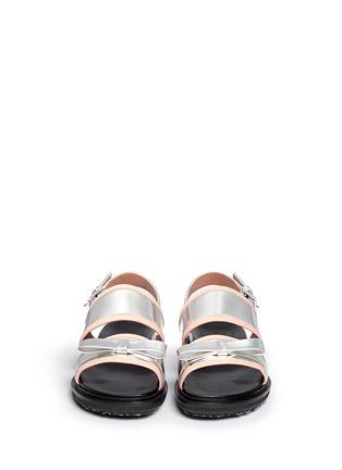模特示范图 - 点击放大 - Marni - 双色搭带蝴蝶结平底凉鞋